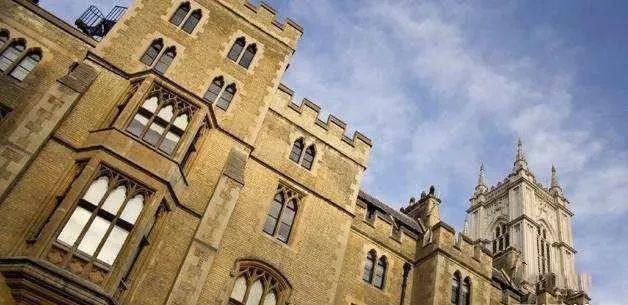 英国留学经济学专业学生满意度最高的10所院校,南星教育推荐留学资讯