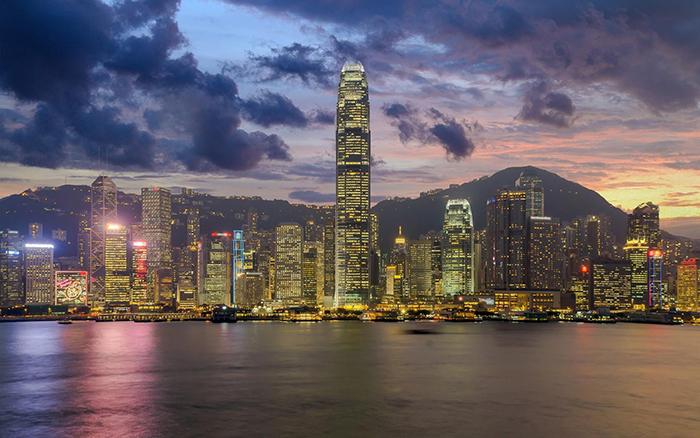 2022香港留学中介费用一般多少钱?